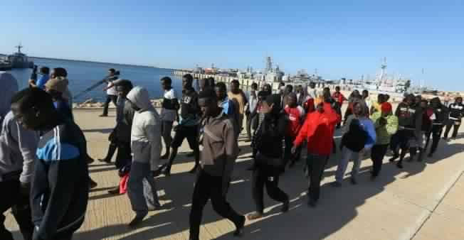 2311-libye-migrants-m_2