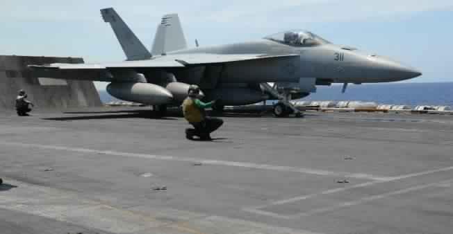 110418-us-plane-syria