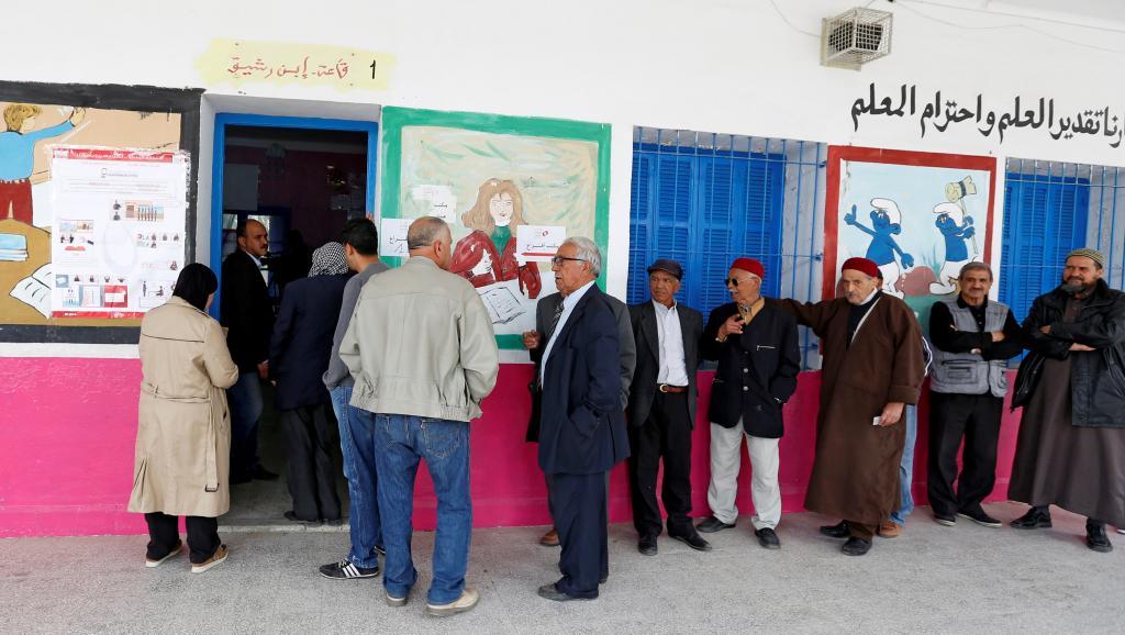 2018-05-06t082534z_207538137_rc15f4815220_rtrmadp_3_tunisia-election-municipal_0